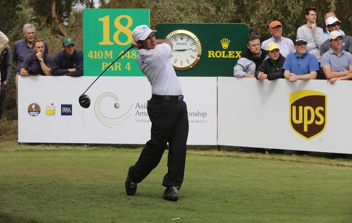 Melbourne, Australia: Antonio Murdaca of Australia drives from the 18th tee during round 3 of the Asia-Pacific Amateur Championship at the Royal Melbourne Golf Club). October 25 2014, (photo by Dave Tease/AAC)